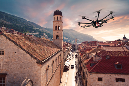 octocopter-mit-kamera